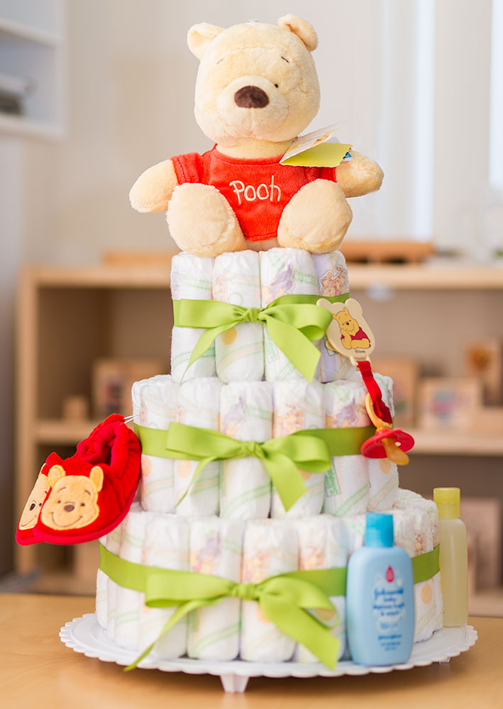 winnie-the-pooh-diaper-cake