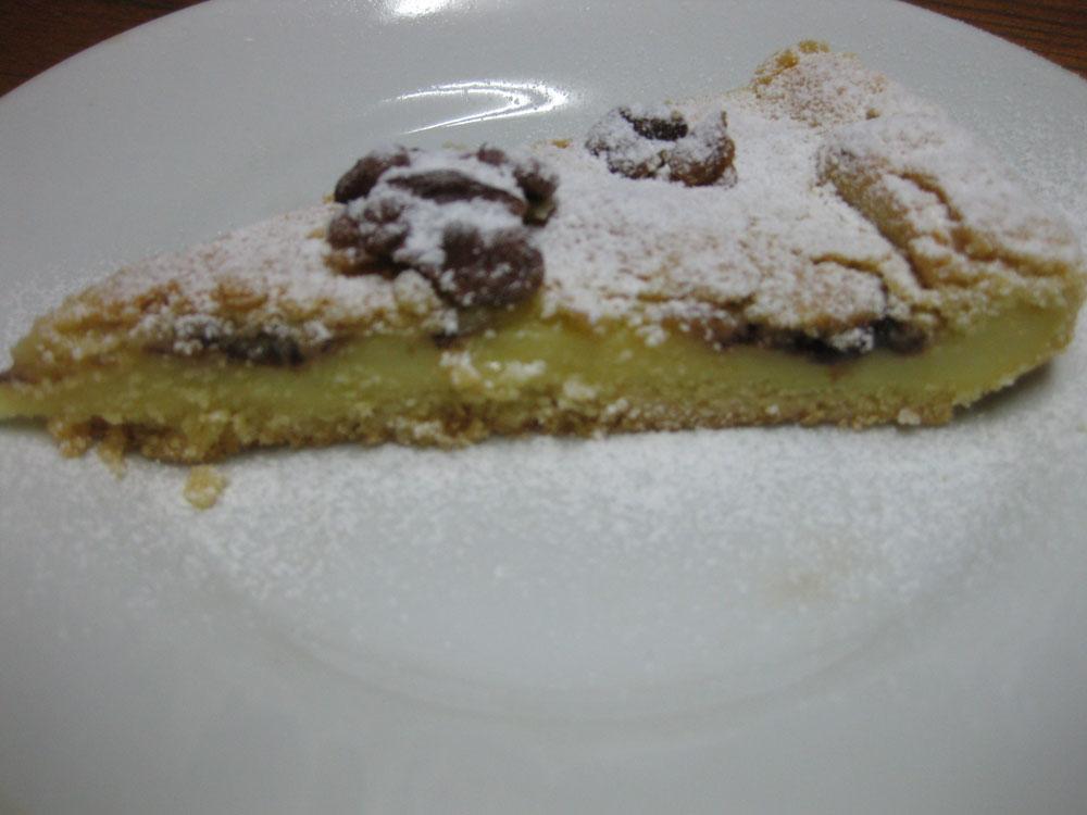 Pasticciotto con crema, nutella e noci
