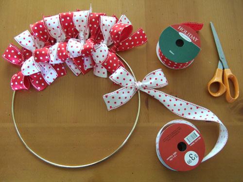 diy-christmas-ribbon-wreath-2