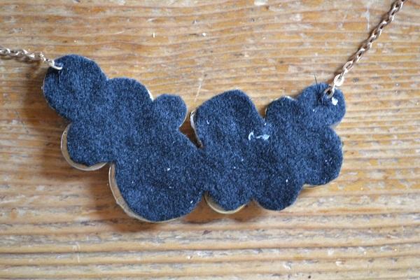 diy-vintage-buttons-necklace-5
