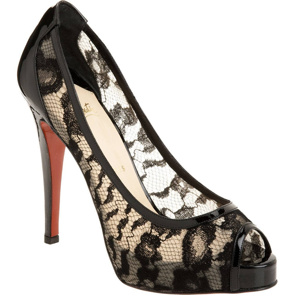 n-Louboutin-Lace-Peep-Toe-Pumps-Nero_it416_LRG