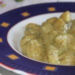 Gnocchi al gorgonzola e pesto di pistacchi